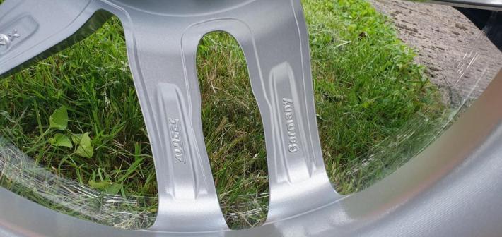 Sprzedam felgi aluminiowe 17-cal