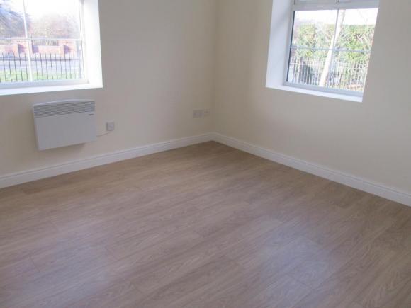 Mieszkanie do wynajecia, 2 bed, Tipton
