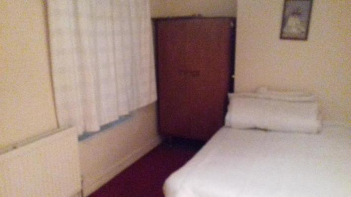 Ładny Duży Pokój na West Bromwich B.D.W.