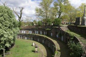 Tajemnicze grobowce na Warstone Lane Cemetery